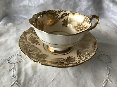 Paragon A565 by Appointment HM The Queen & HM Queen Mary Teacup & Saucer Set Mad