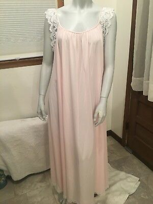 Lucie Ann Nightgown Full Length Large Vintage Never Worn  Pink