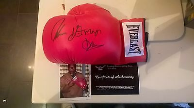 Thomas Hearns Signed Boxing Glove with Signing Photo