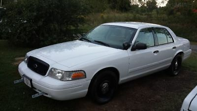 2010 Ford Crown Victoria  2010 Ford Crown Victoria Police Interceptor