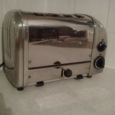 DUALIT 4 slice Toaster in all round chrome!