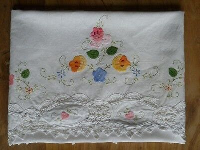 VINTAGE LINEN Beautiful Large Antimacassar Chair Cover Hand Embroidered Lacework