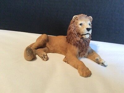 "Lion Figurine / statue 6.5"" realistic,good quality,ex cond"