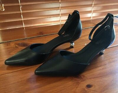 Wittner Women's Size 37Black Leather Kitten  Heels Shoes New Without Box