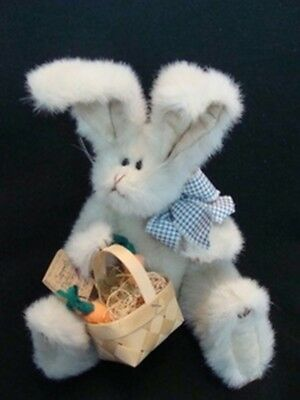 Boyd's  ~  BUNNY ... W/Carrots & Basket  *  NEW From Our Shop