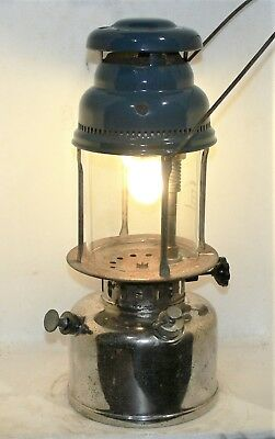 Scarce tall Ditmar No 505 kerosene lantern, original, new seals, working good.