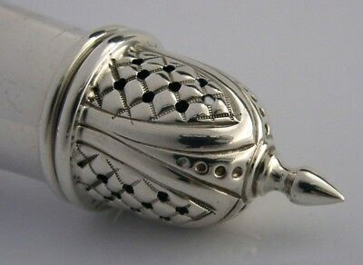 Super Quality English Solid Sterling Silver Sugar Caster Shaker 1977 Stunning