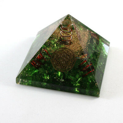 Green Onyx Orgonit Pyramid With 4 Copper Spring & Metal Flower Of Life (60-70mm)