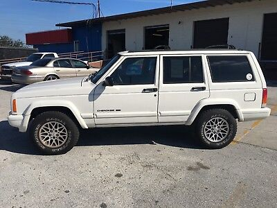 1998 Jeep Cherokee  1998 Jeep Cherokee AS IS