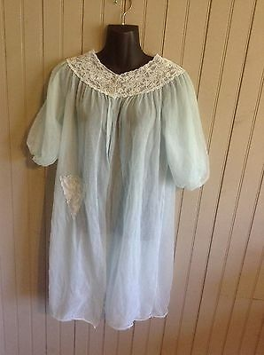 WOW! Very Vintage Avian light blue small sheer robe with lace trim