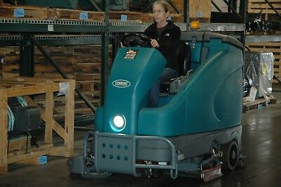 Tennant T16 Ride On Floor Scrubber Many Options 206 Hrs ec-H20