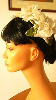 1950,s fab cream floral bridal/prom headpiece/caplet with flowers .Preloved orig