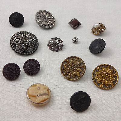 Vintage & Antique Old Job Lot Assorted Mixed Collection Of Buttons Sewing