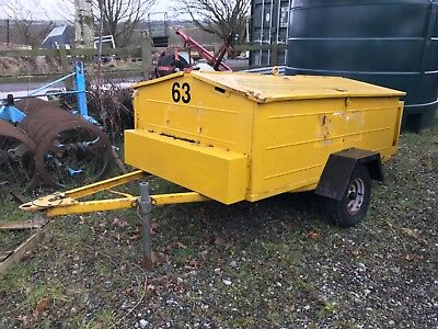 Traffic Light Trailer Complete With Engine Generator