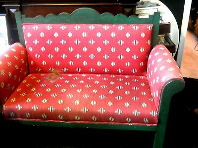 Settee Vintage--Needs To Be Upholstered Or Painted--