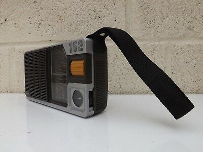 Philips AC-162 Vintage Transistor Radio Fab Looking Retro Radio Shop Film Prop