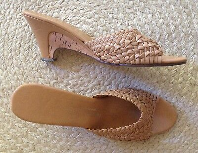 Cute Vintage Light Tan Woven Naturalizer Cork Wedge Heels Size 8 Boho Chic