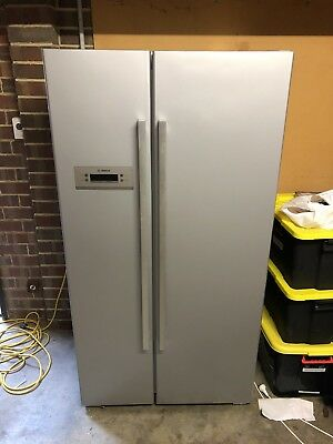 Bosch 652L Side By Side Fridge/Freezer