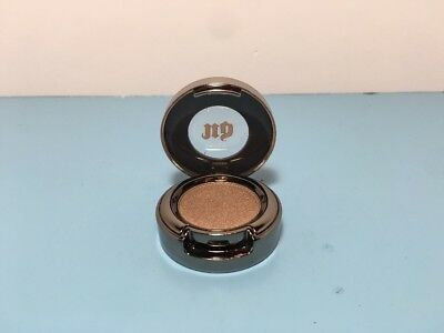Urban Decay - Beauty With An Edge - Eyeshadow - Suspect - 0.05 Oz - New