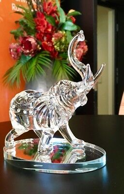 1 x Crystal glass ELEPHANTS Feng Shui very good looking and branch new