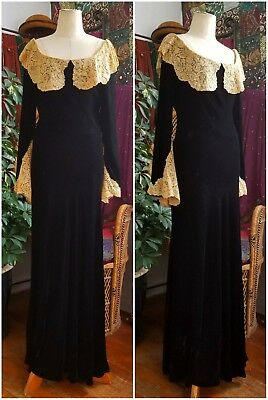 Lovely 1930s Velvet Bias Dress With Lace Collar and Cuffs Gown Antique Vintage