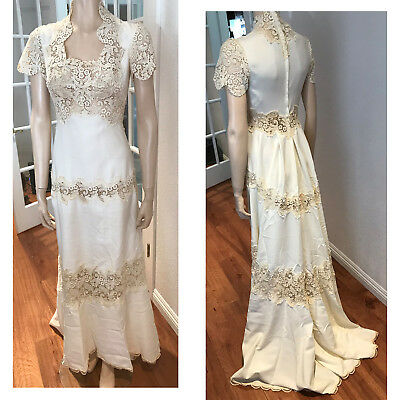 VTG Wedding dress lace Train 1970s w/ hat sz 0 2 off white Short Sleeves Gown