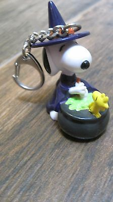 Peanuts Snoopy PVC Halloween toy keychair Snoopy and Woodstock at witch