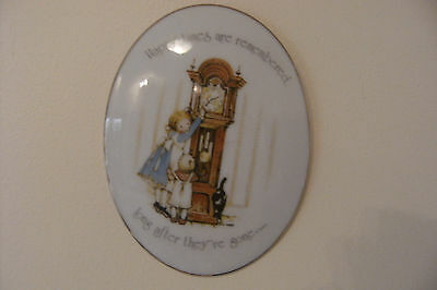 """Vintage Holly Hobbie Wall Hanging Plaque....""""Happy Times are Remembered.."""