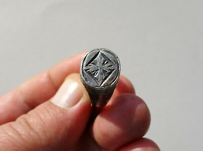late Byzantine/Middle Ages silver ring, decorated with nicely engraved cross