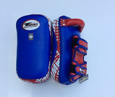 Twins Special Kpl-12 Curved Thai Pads Blue/Red Size M
