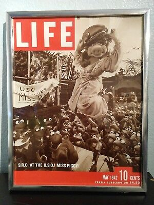 Framed LIFE Mockup Magazine Cover Miss Piggy & Kermit