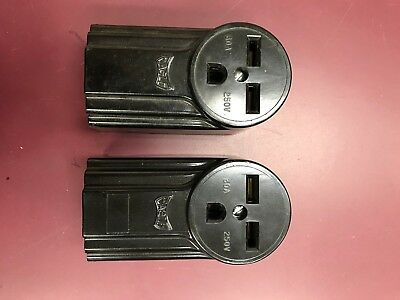 Eagle 3 Wire 30 Amp Grounding Surface Receptacle No. 1232