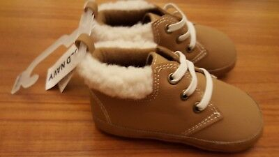 6aa3ed3e194 Old Navy Infant Baby Boys 18-24 MONTHS Crib Shoe Boots TAN BROWN Sherpa