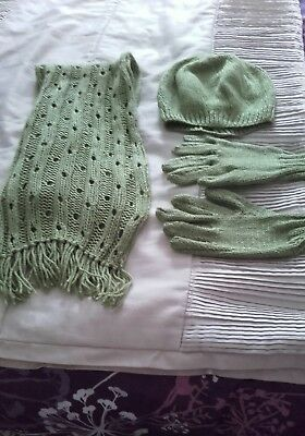 ladies/girls green hand knitted hat gloves & scarfe