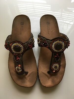 03d22df8c14 White Mountain Women s Brilliant Thong Sandals Size 6 M Multi Beaded Leather