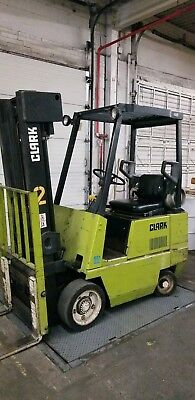 Clark GCS17, 3500# Cushion Tire Forklift, 2 Stage Mast, Side shift USED