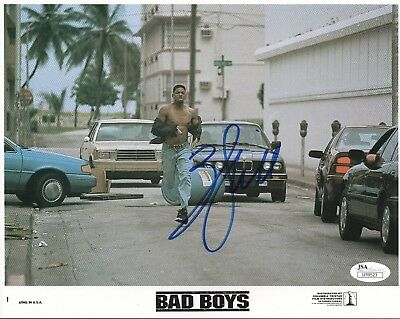 WILL SMITH HAND SIGNED 8x10 COLOR PHOTO       AWESOME POSE     BAD BOYS      JSA