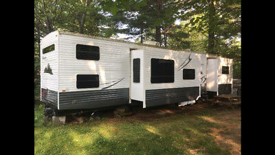 42' Hampton Park Model trailer by Crossroads