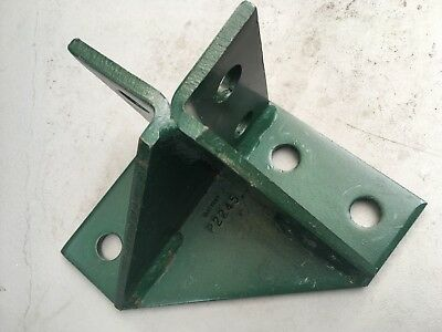 Unistrut - P2245 - Wing Shape Fitting - Great Condition