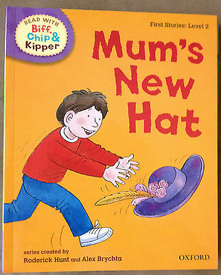 Read With Biff Chip & Kipper: First Stories Level 2 - Mum's New Hat P/B Book