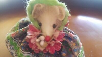 Vintage The Little Mouse Factory Usa Mouse In Bonnet W/flowers