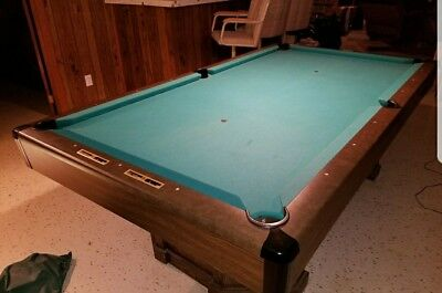 Brunswick Anniversary 130 8u0027 X 4u0027 Pool Table With Wall Rack, Cues,