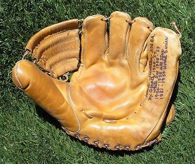 Vintage 1950's Don Mueller Autographed Baseball Glove, New York Giants Great
