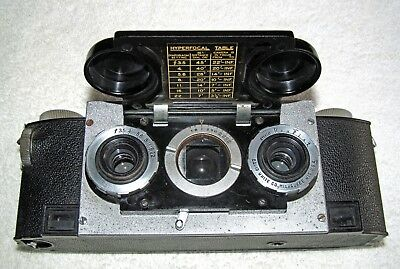 35mm STEREO REALIST CAMERA & EVERREADY CASE
