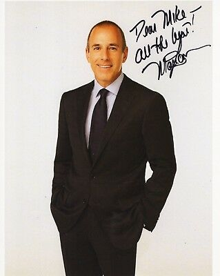 MATT LAUER HAND SIGNED 8x10 COLOR PHOTO+COA    FORMER TODAY SHOW HOST    TO MIKE