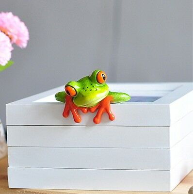 3D Resin Frog Figurines Car And Desk Computer Decoration Observing Image  1PC