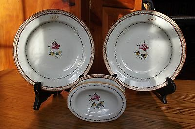ONE antique Chinese porcelain export set.One master salt+two soup plates.Pre1800