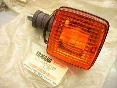 Neu/new Original Yamaha Xt 600 Blinker Kurz Short Indicator Flasher Turn Signal