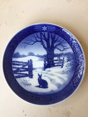 """Royal Copenhagen 1971 Collector Plate, """"Hare in Winter""""  Free shipping in the US"""