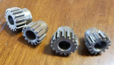 Spur Gears - NSS1616 - Lot of 4